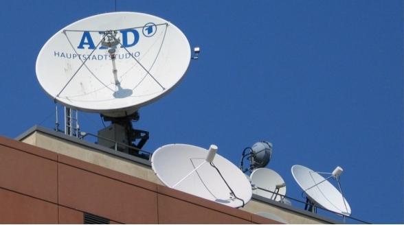 ARD en ZDF poot stijf bij ongecodeerde satellietdistributie