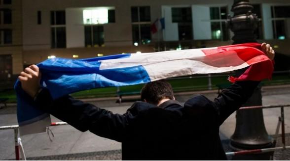 Doorlopende extra nieuwsuitzendingen na aanslagen Parijs