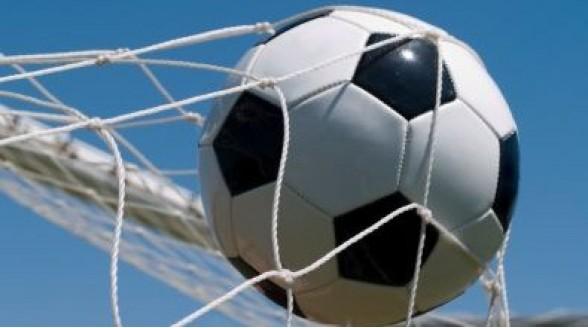 Europees voetbal versnipperd over drie zenders