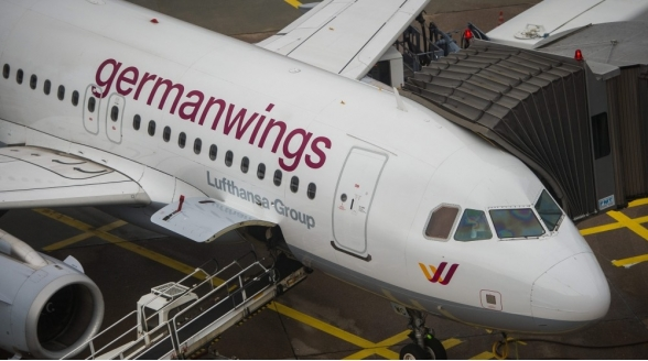 Extra nieuwsuitzendingen na neerstorten vliegtuig Frankrijk