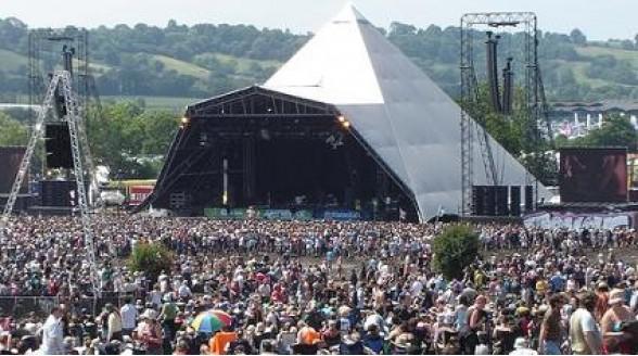 Glastonbury uitvoerig bij BBC, satellietkijker geniet meer