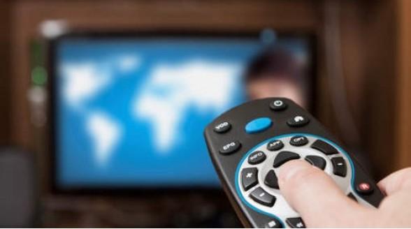Invallen en arrestatie illegaal tv-kijken