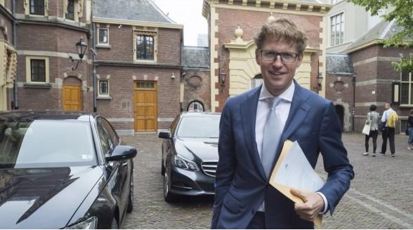 Sander Dekker bant amusement bij NPO