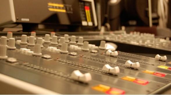 Langere onzekerheid over toekomst FM en DAB+
