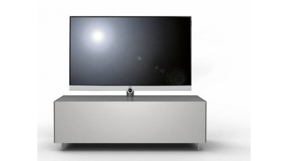 loewe werkt kabels weg in tv meubel totaal tv. Black Bedroom Furniture Sets. Home Design Ideas