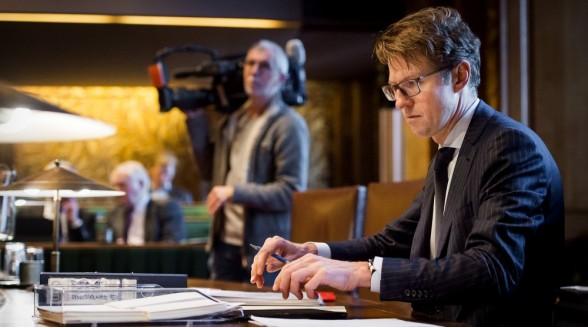 Sander Dekker zet spel rond Mediawet op scherp