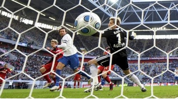 Toezichthouder wil voetbalrechten over meer zenders verdelen