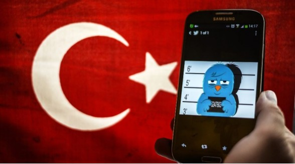 Turkije sluit elke zender die Erdogan niet steunt