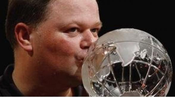 Van Barneveld en Klaasen in kwartfinale WK Darts op RTL 7